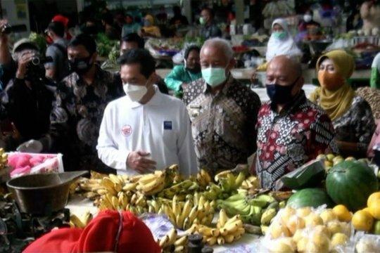 Menggerakan kembali ekonomi dengan revitalisasi pasar rakyat