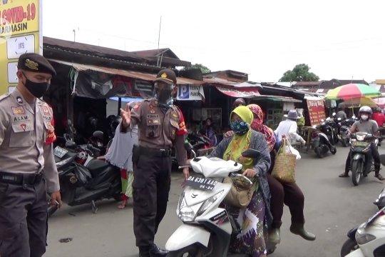 Masih banyak warga abaikan protokol kesehatan di pasar tradisional
