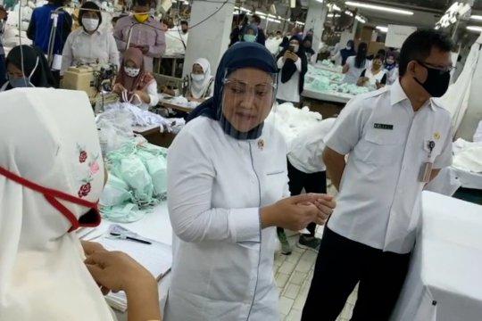 Menaker sosialisasi cegah COVID-19 kepada pekerja perempuan