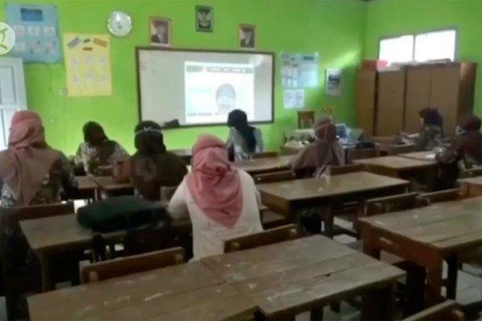 Pengamat: Sekolah harus siap terapkan kurikulum darurat