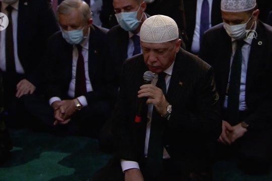 Presiden Erdogan baca Alquran saat pembukaan Hagia Sophia