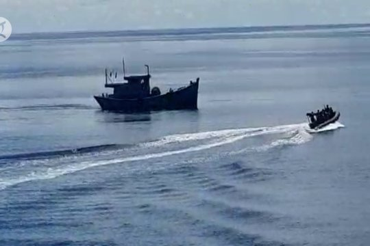 TNI AL tangkap nelayan Vietnam pencuri ikan di Natuna Utara