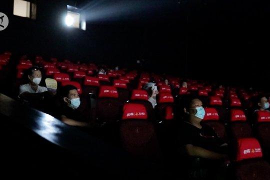 Jaringan bioskop China dibuka kembali usai tutup berbulan-bulan