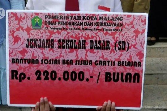 Pemkot Malang serahkan Rp3 miliar untuk beasiswa