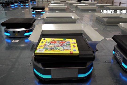 Pasukan robot sortir 1.500 buku dalam satu jam