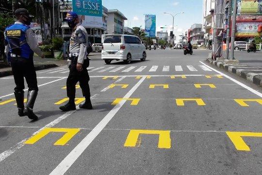 Dishub Kota Pontianak terapkan jarak fisik di area lampu pengatur lalu lintas
