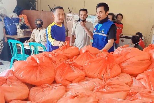 Dinsos Cilegon salurkan 30 ton beras kepadawarga terdampak COVID-19