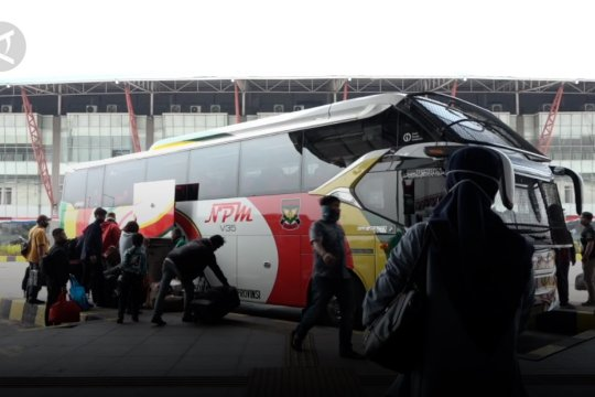 Terminal Pulo Gebang alami peningkatan penumpang