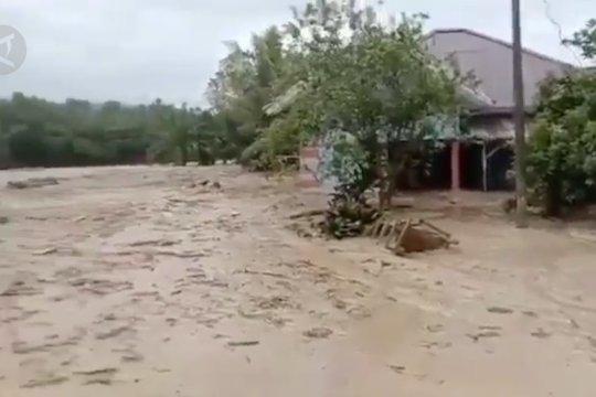 Tiga faktor penyebab banjir bandang Luwu Utara