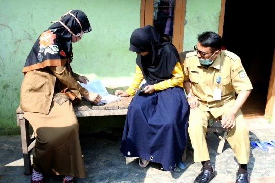 Disdik Kota Tangerang bantu pembelajaran ke siswa tak mampu