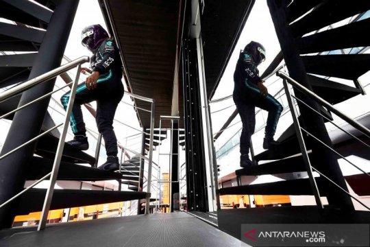 Hamilton rebut posisi pole ketujuh kalinya di Sirkuit Silverstone