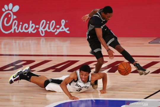 NBA: San Antonio Spurs kalahkan Sacramento Kings 129 - 120