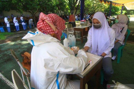 Kontak pasien positif, 54 pegawai-staf puskesmas di Kalbar dites usap