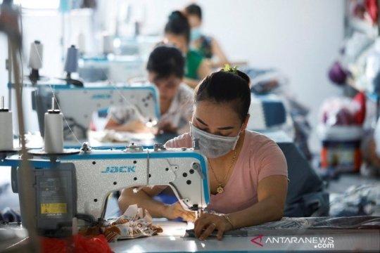 COVID-19 melanda pabrik-pabrik dengan ribuan pekerja di Danang Vietnam