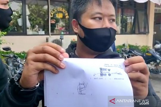 Gara-gara tersenggol, petugas dishub pecahkan kaca angkot di Jaktim