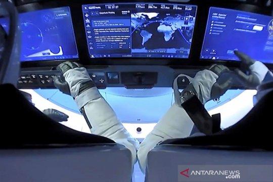 Astronot NASA jalani misi luar angkasa dengan pesawat SpaceX