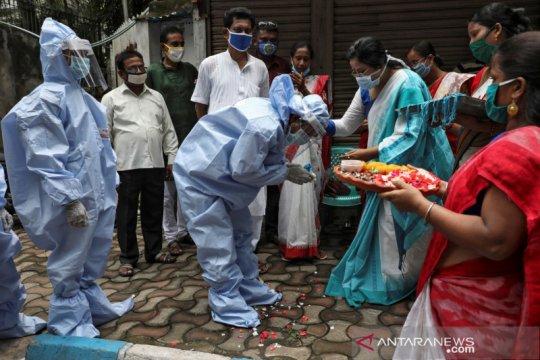 India catat lagi rekor harian COVID-19 dengan 76.472 kasus baru