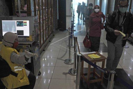 Kedatangan penumpang di Bandara SMB II melonjak 797 persen pada Juni