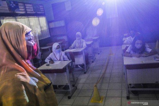 Satgas COVID-19: Pemda wajib tutup lagi sekolah yang tidak aman