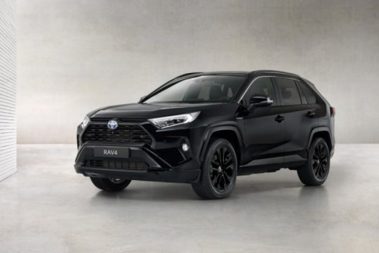 "Toyota RAV4 Hybrid hadir dengan ""Black Edition"" untuk pasar Eropa"