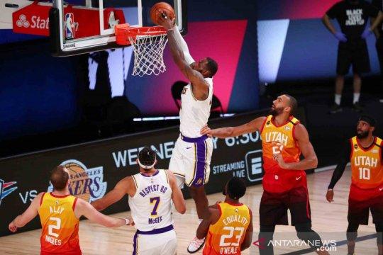 LA Lakers kunci posisi puncak klasemen usai kalahkan Jazz