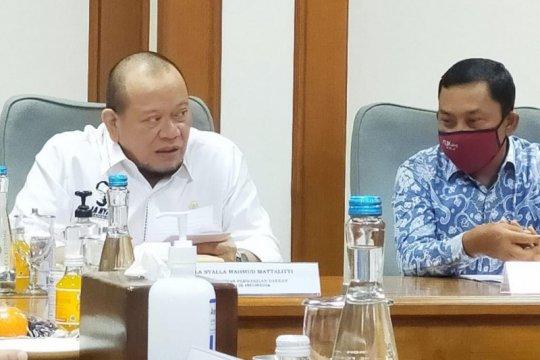 Ketua DPD minta OJK berperan dalam persempit kesenjangan ekonomi