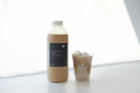 Almond Mylk Latte, varian baru minuman susu alternatif dari KISAKU