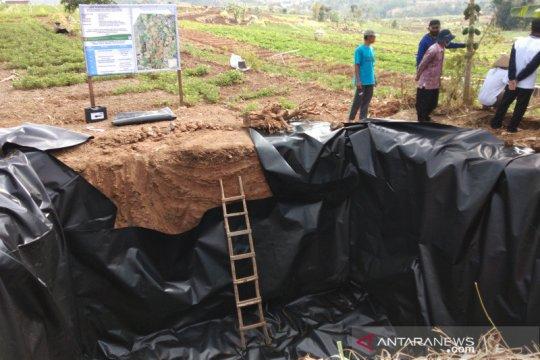 Balitbangtan bantu teknologi irigasi hemat air petani bawang Bantul