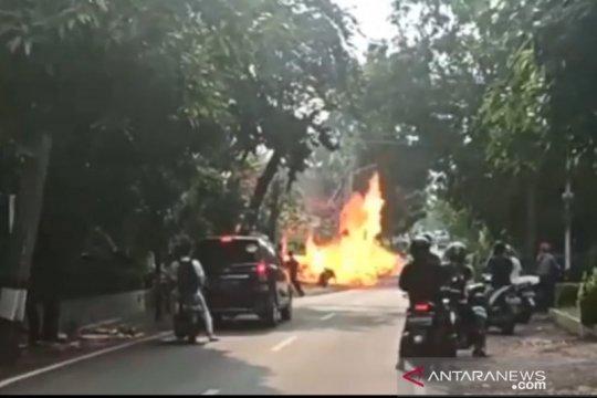 Motor penjual gas elpiji keliling terbakar di Komplek PWI Jaktim