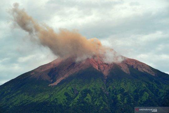 Gempa embusan dan tremor Gunung Kerinci