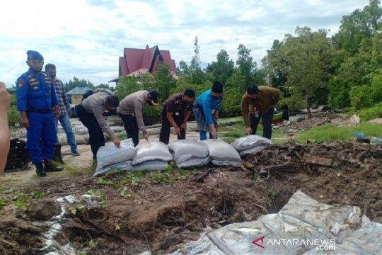 Polairud Bengkalis musnahkan 30 ton gula ilegal asal India