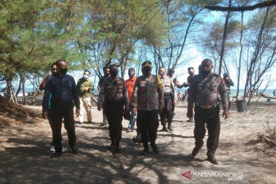 Kapolres sebut tujuh korban terseret ombak Pantai Bantul dua keluarga