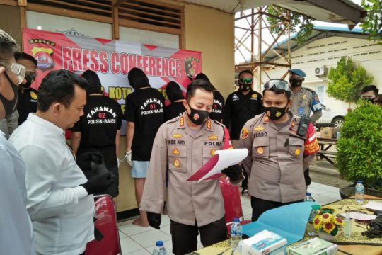 Polresta Tangerang bekuk empat pemuda keroyok polisi
