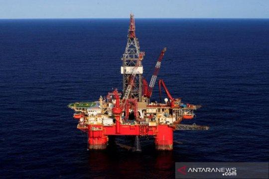 Minyak jatuh saat prospek permintaan lemah dan pasokan OPEC meningkat