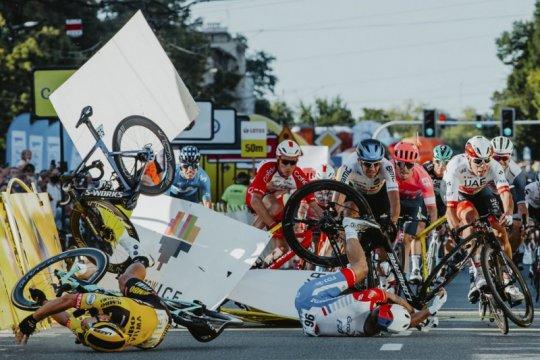 UCI teliti kecelakaan pada 2021 untuk tingkatkan keselamatan pebalap