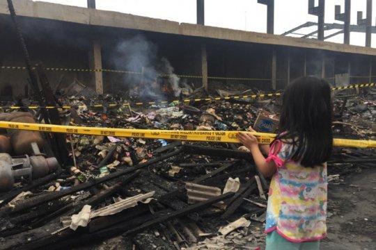 Ratusan kios Pasar Timbul Tomang Tinggi tak tersisa karena kebakaran