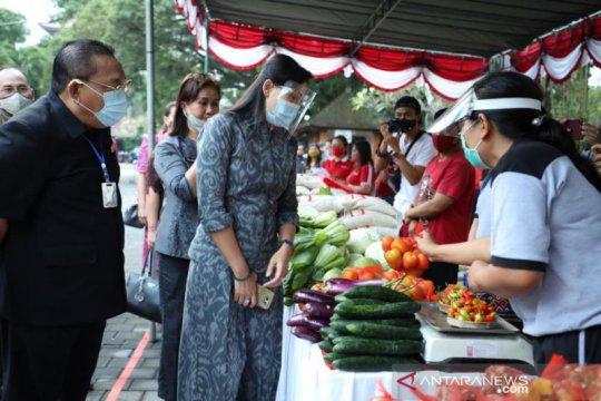 Pasar Gotong Royong Krama Bali di Gianyar raih Rp100 juta sehari