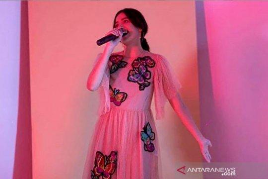 """Mawar de Jongh tuntaskan kerinduan di konser virtual """"Ruang Rindu"""""""