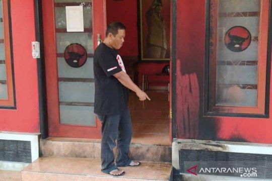 Kantor DPC PDI Perjuangan Cianjur dilempar bom molotov