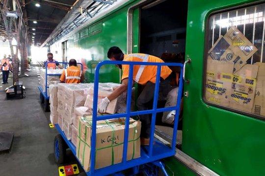 """KAI berikan diskon biaya pengiriman barang dengan """"Rail Express"""""""