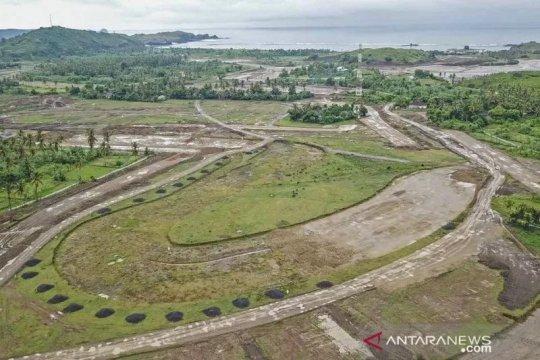 Kawasan Sirkuit MotoGP di KEK Mandalika masuk tahap pembersihan lahan