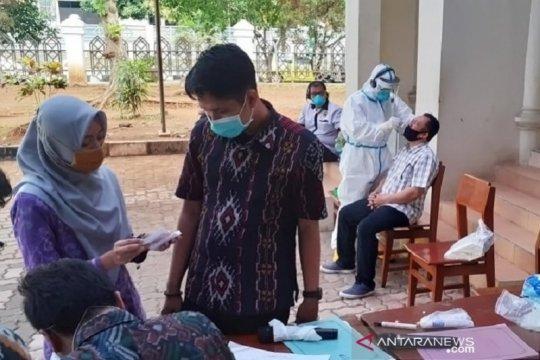 Hasil tes usap COVID-19 di DPRD Jepara, tujuh orang dinyatakan positif
