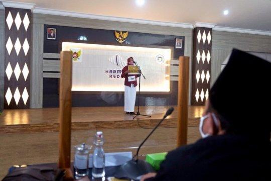 130 calon mahasiswa ikut audisi beasiswa di Kediri