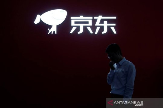 Saham China yang tercatat di AS jatuh saat Trump bidik WeChat, TikTok
