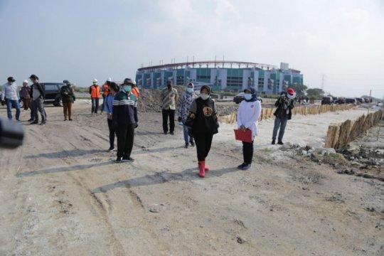 Risma sebut Kementerian PUPR bantu bangun akses menuju GBT Surabaya