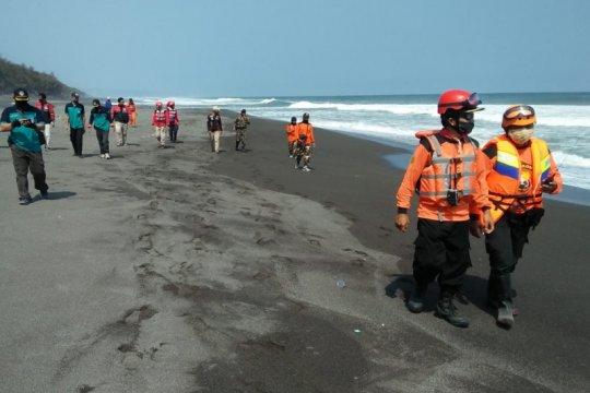 SAR; Satu korban tenggelam Pantai Goa Cemara masih dalam pencairan