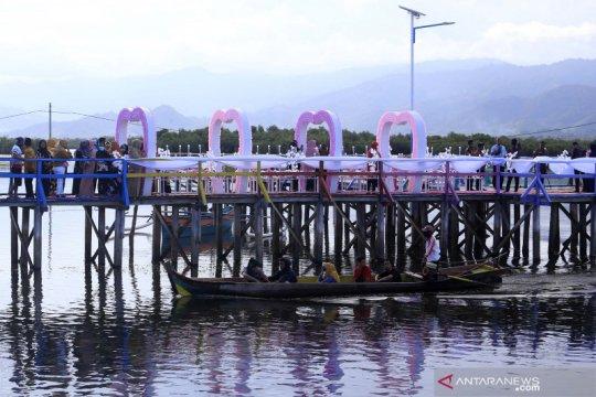 Permukiman suku Bajo Torosiaje mulai dikunjungi wisatawan