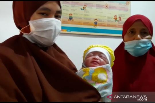 Bayi dibuang di Jatipulo dan ibunya nantikan hasil tes usap