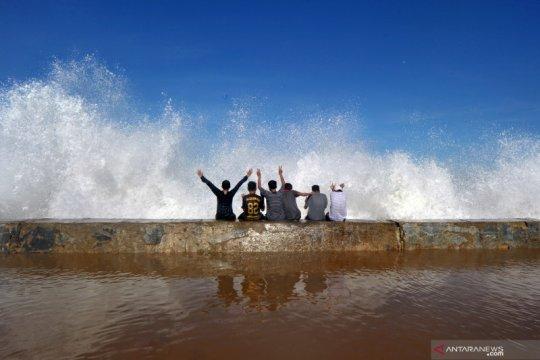Wisatawan diminta mewaspadai gelombang laut Selatan Yogyakarta
