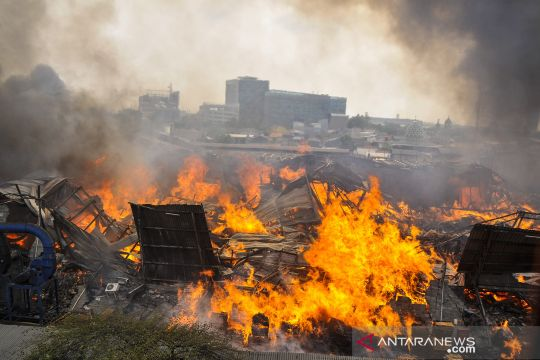 Kebakaran pabrik mebel di Cakung